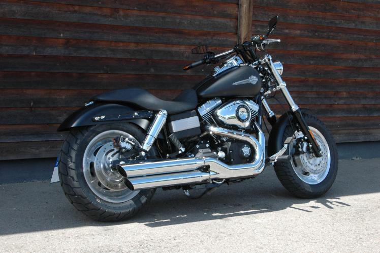 dyna dyna fat bob heckumbau 2009er custom bikes. Black Bedroom Furniture Sets. Home Design Ideas